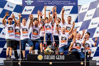 Repsol Honda Team celebra el 8º campeonato de Marc Marquez