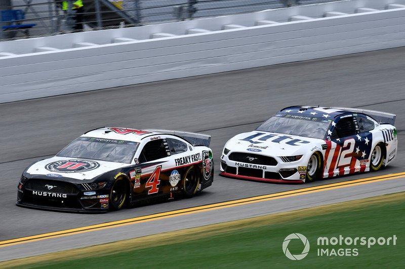Kevin Harvick, Stewart-Haas Racing, Ford Mustang Jimmy John's and Brad Keselowski, Team Penske, Ford Mustang Miller Lite