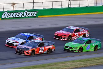 Erik Jones, Joe Gibbs Racing, Toyota Camry Craftsman and Ryan Newman, Roush Fenway Racing, Ford Mustang Acorns