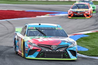 Kyle Busch, Joe Gibbs Racing, Toyota Camry M&M's Hazelnut, Martin Truex Jr., Joe Gibbs Racing, Toyota Camry Bass Pro Shops