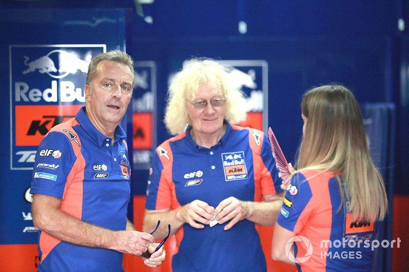 Hervé Poncharal et Guy Coulon (directeur d'équipe et responsable technique en MotoGP)