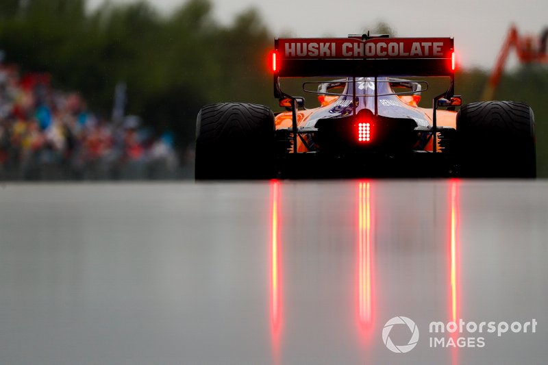 Sainz had something to say about marshals being slow to report rain