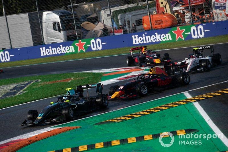 Jake Hughes, HWA RACELAB y Yuki Tsunoda, Jenzer Motorsport