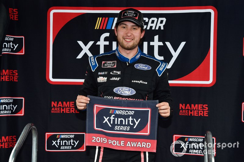 Pole award winner Chase Briscoe, Biagi-DenBeste Racing, Ford Mustang