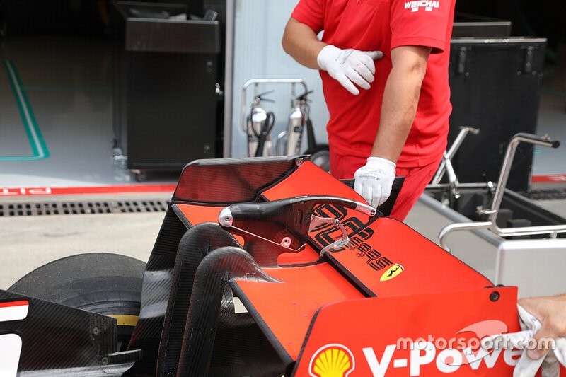 Ferrari SF90 rear wing