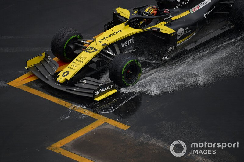 Su Renault patinó...