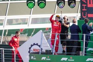 Podium: winnaar Charles Leclerc, Ferrari
