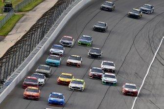 Chris Buescher, JTG Daugherty Racing, Chevrolet Camaro Maxwell House - USO and Ryan Newman, Roush Fenway Racing, Ford Mustang Oscar Mayer Hot Dogs