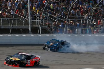 Crash: Aric Almirola, Stewart-Haas Racing, Ford Mustang 3D Systems