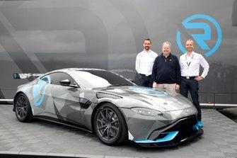 Dr. Florian Kamelger, Dr, Andreas Baenziger, R-Motorsport presenteert de Aston Martin Vantage Cup Dr. Andy Palmer, Aston Martin Lagonda President & Group CEO