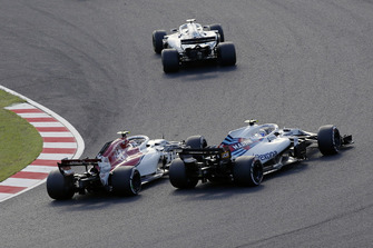 Шарль Леклер, Alfa Romeo Sauber C37, и Сергей Сироткин, Williams FW41