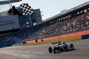 Bandera a cuadros para Robert Shwartzman, PREMA Theodore Racing Dallara F317 - Mercedes-Benz