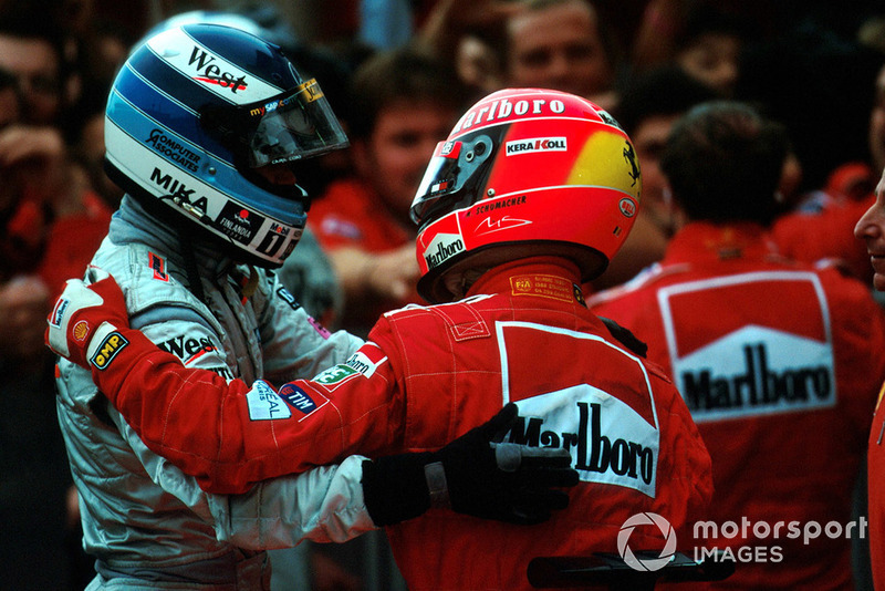 En sus seis títulos, Schumacher ganó cinco contra pilotos de otro equipo (dos a Damon Hill, uno a Hakkinen, uno a Coulthard y otro a Raikkonen) y uno contra su compañero (Barrichello, en 2002)