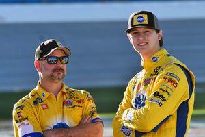 Todd Gilliland, Kyle Busch Motorsports, Toyota Tundra Pedigree Puppy