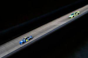 William Byron, Hendrick Motorsports, Chevrolet Camaro Hendrick Autoguard, Kyle Busch, Joe Gibbs Racing, Toyota Camry Interstate Batteries