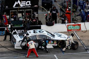 J.J. Yeley, BK Racing, Toyota Camry Maximum Elevation Off-Road, pit stop