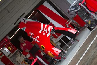Capot moteur de la Ferrari SF71H avec sa nouvelle livrée