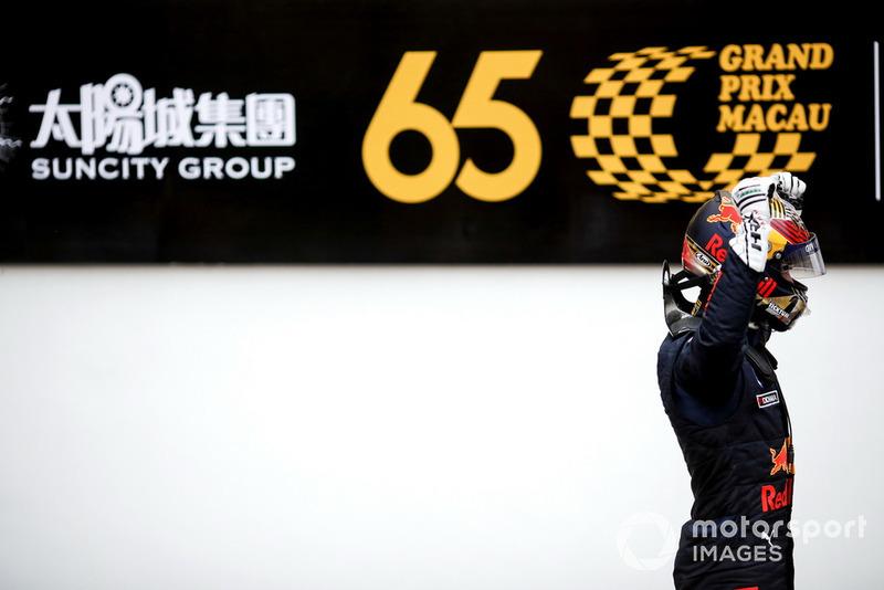 Le vainqueur Dan Ticktum, Motopark Academy