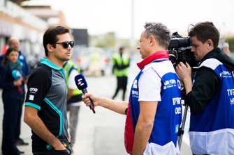 Nelson Piquet Jr., Panasonic Jaguar Racing, parla con i media