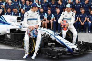 Sergey Sirotkin, Williams Racing and Robert Kubica, Williams at the Williams Racing Team Photo