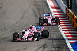 Esteban Ocon, Racing Point Force India VJM11, voor Sergio Perez, Racing Point Force India VJM11