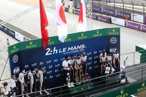 Podium: 1. Sébastien Buemi, Kazuki Nakajima, Brendon Hartley, 2. Bruno Senna, Gustavo Menezes, Norman Nato, 3. Mike Conway, Jose Maria Lopez, Kamui Kobayashi