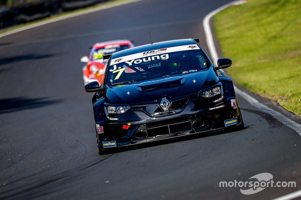Jack Young, Vukovic Motorsport Renault Megane RS