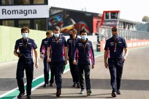 Sergio Perez, Racing Point, Andy Stevenson, Sporting Director, Racing Point, and team mates walk the track
