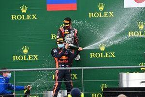 Yuki Tsunoda, Carlin, 1st position, sprays the Champagne on the podium