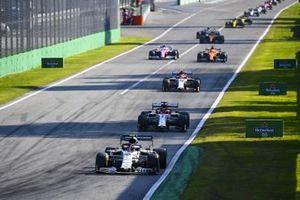 Pierre Gasly, AlphaTauri AT01, Kimi Raikkonen, Alfa Romeo Racing C39 and Antonio Giovinazzi, Alfa Romeo Racing C39