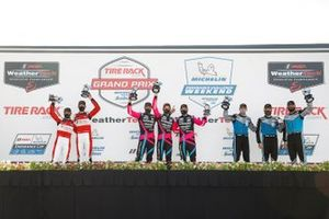GTD-Podium: 1. Mario Farnbacher, Matt McMurry, Shinya Michimi, 2. Bryan Sellers, Madison Snow, Corey Lewis, 3. Ryan Hardwick, Patrick Long, Jan Heylen