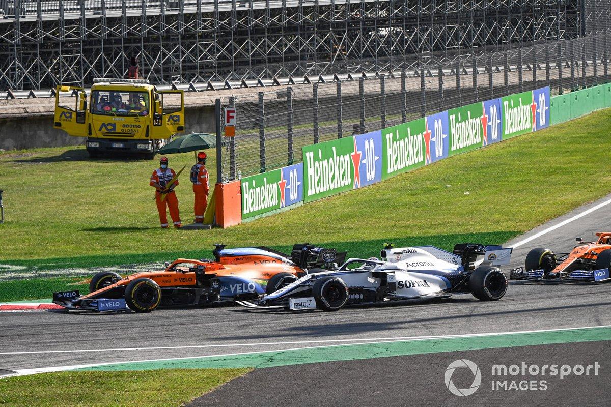 Carlos Sainz Jr., McLaren MCL35, Nicholas Latifi, Williams FW43, Lando Norris, McLaren MCL35