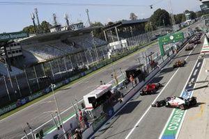 Charles Leclerc, Ferrari SF1000, Kevin Magnussen, Haas VF-20