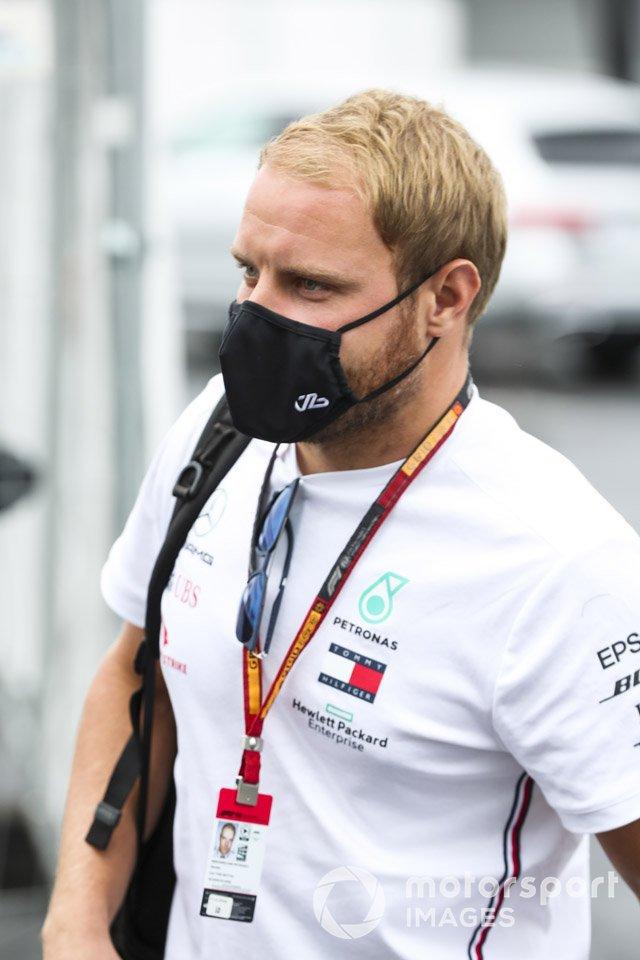 Валттери Боттас, Mercedes-AMG F1, в футболке!!