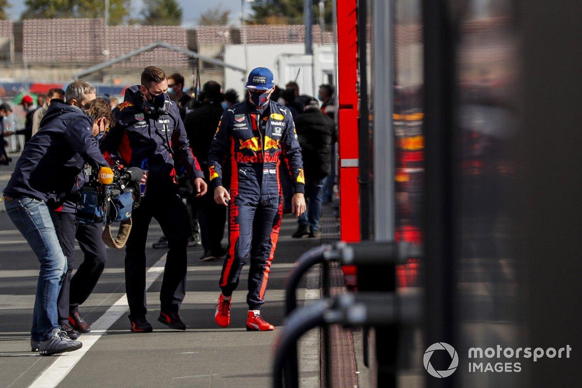 Max Verstappen, Red Bull Racing en el paddock