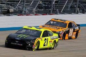 Matt DiBenedetto, Wood Brothers Racing, Ford Mustang Menards/Monster Energy, Erik Jones, Joe Gibbs Racing, Toyota Camry DEWALT Atomic