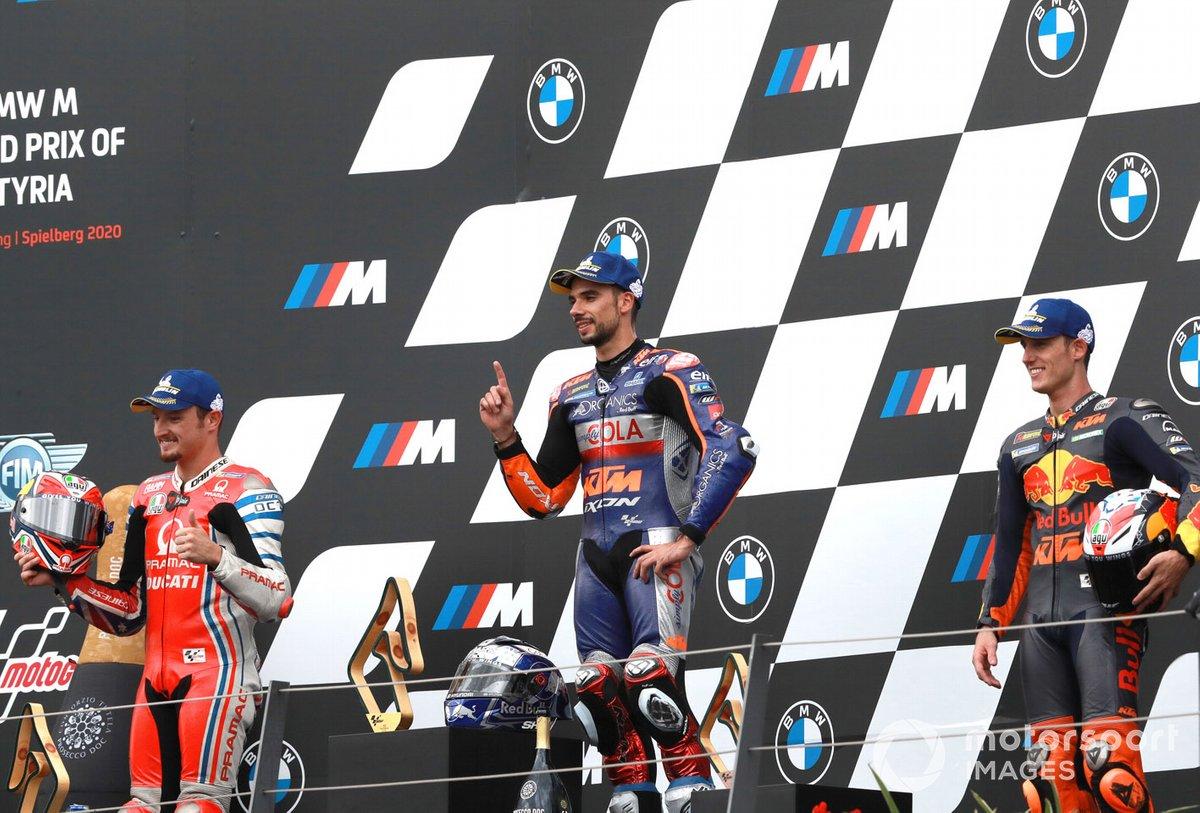 Il vincitore Miguel Oliveira, Red Bull KTM Tech 3, secondo posto Jack Miller, Pramac Racing, terzo posto Pol Espargaro, Red Bull KTM Factory Racing