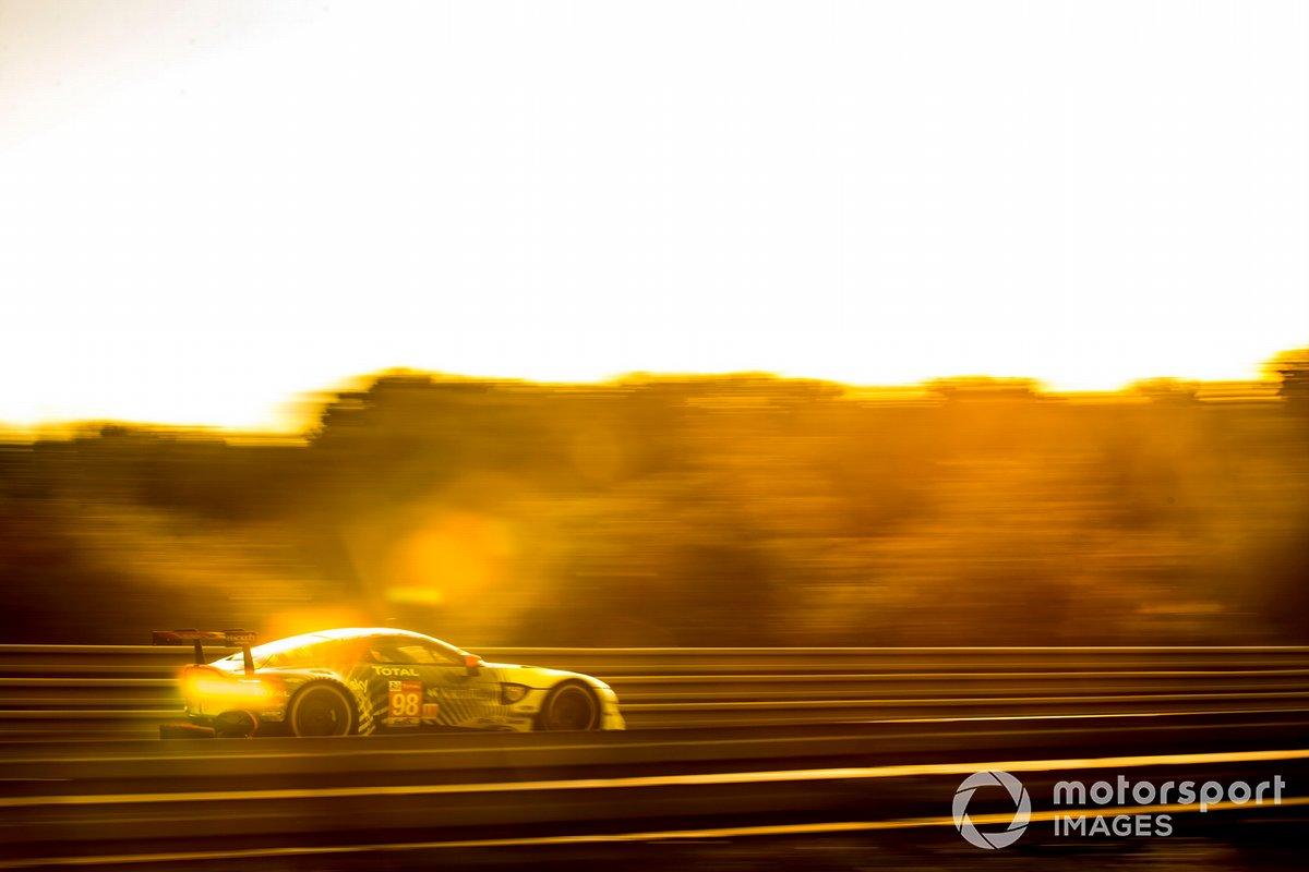 #98 Aston Martin Racing Aston Martin Vantage: Paul Dalla Lana, Augusto Farfus, Ross Gunn