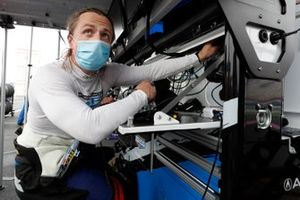 #57 Heinricher Racing w/MSR Curb-Agajanian Acura NSX GT3, GTD: Misha Goikhberg