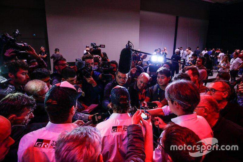 Toyota Gazoo Racing, atmosfera alla presentazione della Dakar