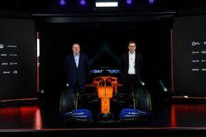 Zak Brown CEO de McLaren y Andreas Seid, director de McLaren