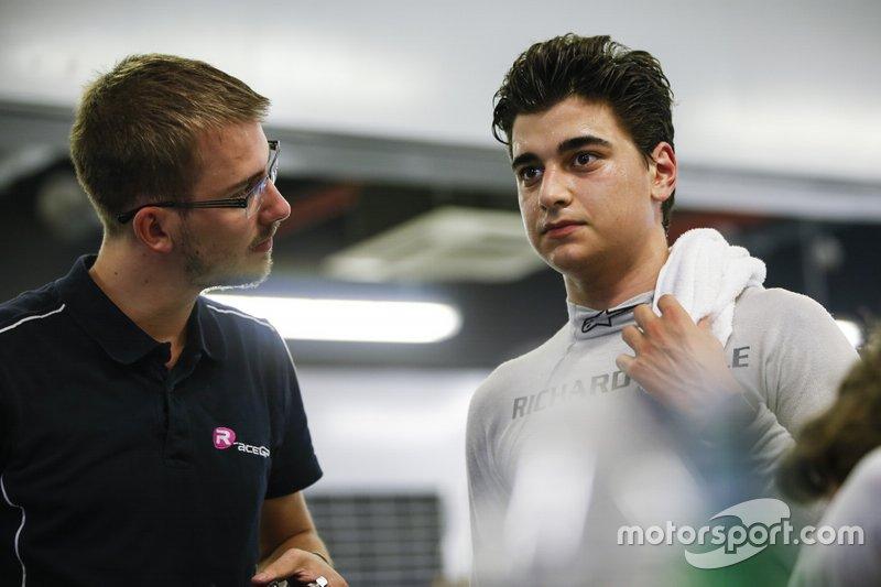 Caio Collet (foto) y Adrien David, también miembros de la Academia de Jóvenes de Renault, también se encontraron retenidos en el hotel de Tenerife