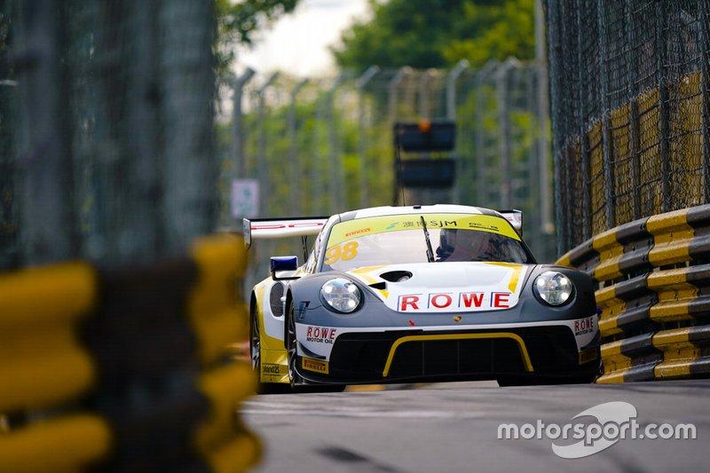 #98 ROWE Racing Porsche 911 GT3 R: Earl Bamber
