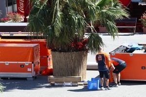 MotoGP teams packing up