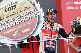 Marc Marquez, Repsol Honda Team, fête sa victoire sur le podium