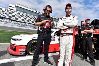 Michael Annett, JR Motorsports, Chevrolet Camaro AHA/Pilot Flying J and Travis Mack