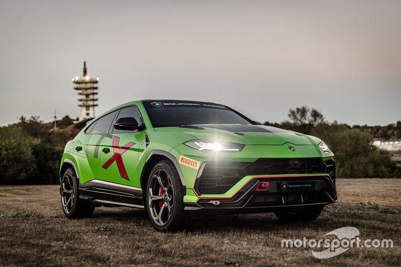 Lamborghini Urus ST-X