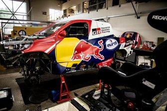 Автомобиль Toyota Hilux команды Toyota Gazoo Racing