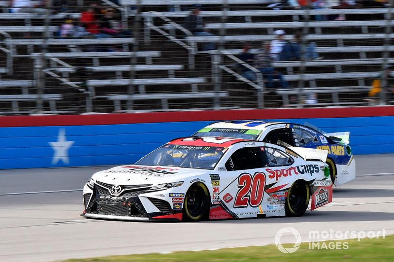 Erik Jones, Joe Gibbs Racing, Toyota Camry Sport Clips, Chase Elliott, Hendrick Motorsports, Chevrolet Camaro NAPA AUTO PARTS