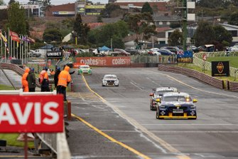 Winners Jamie Whincup, Craig Lowndes, Triple Eight Race Engineering Holden